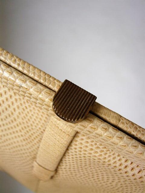 geanta vintage anii 60 crem de mana imitatie piele sarpe