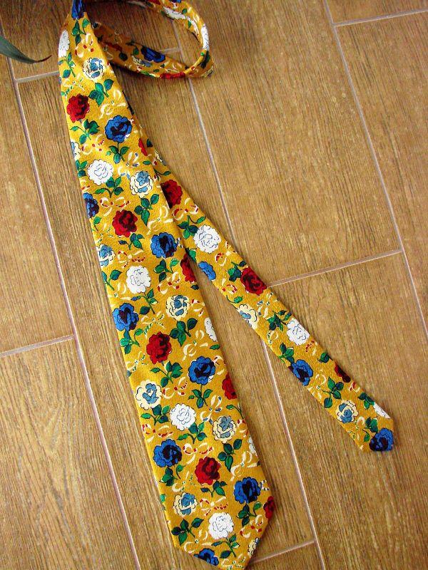 cravata vintage matase galbena flori trandafiri Italia
