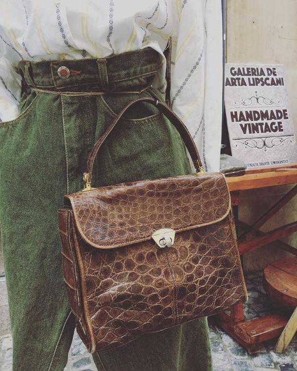 geanta vintage de mana piele reptila maro patrata