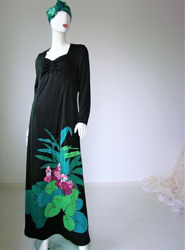 Rochie lunga neagra flori roz frunze mari vintage anii 70 hippie boho boema