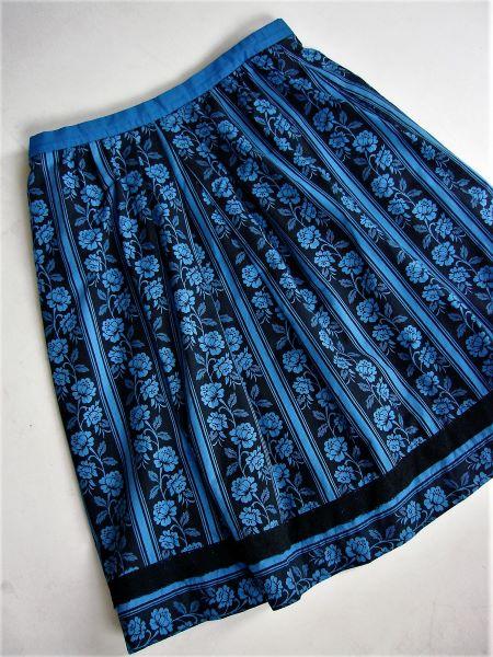 Fusta vintage midi creata ampla panza bumbac neagra albastra trandafiri