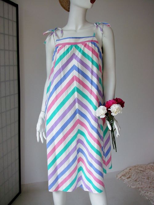 Rochie vara plaja alba roz bleu dungi panza bumbac vintage anii 80