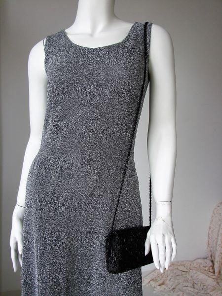 Rochie vintage lunga argintie pe corp despicata pe picior eleganta ocazie