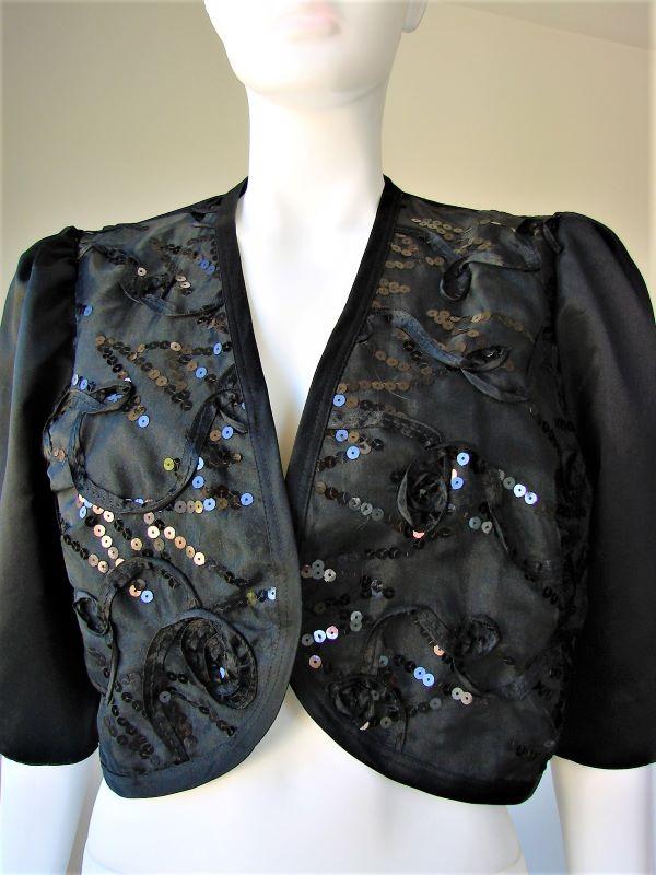 Bolero negru satin paiete maneci trei sferturi crete la umeri vintage anii 80