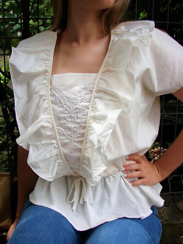 Bluza vintage alba panza bumbac volane broderie talie accentuata