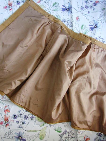 Fusta vintage piele intoarsa bej petrecuta buzunare