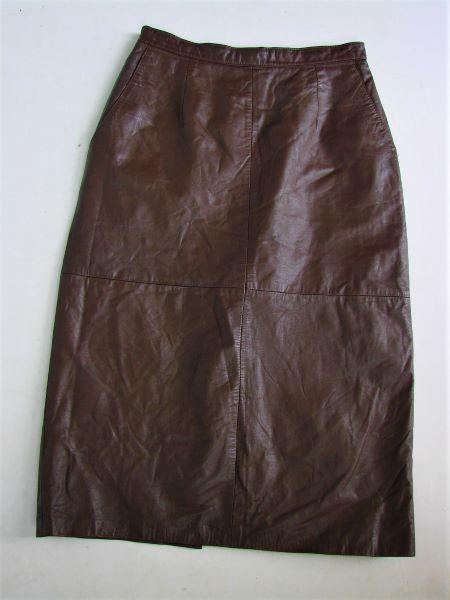 Fusta vintage piele naturala maro inchis buzunare midi pe corp
