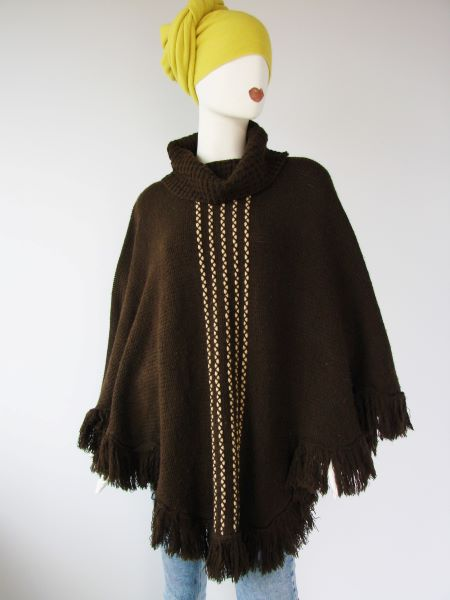 Poncho pulover maro second hand