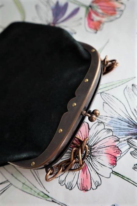 Geanta vintage piele neagra stil victorian