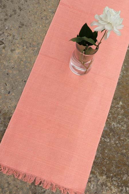 Servet lung roz piersica bumbac tesut second hand ieftin