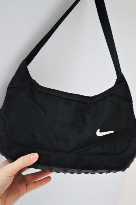 Geanta neagra mica Nike second hand