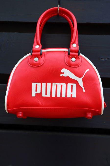 Geanta mica sport Puma rosie second hand