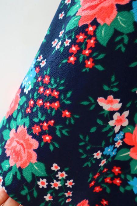 Fusta vintage bleumarin flori