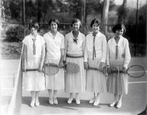 anii 20 sport femei