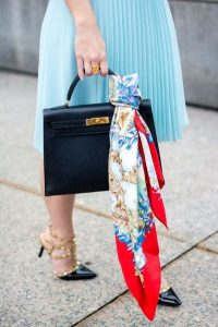 esarfa geanta