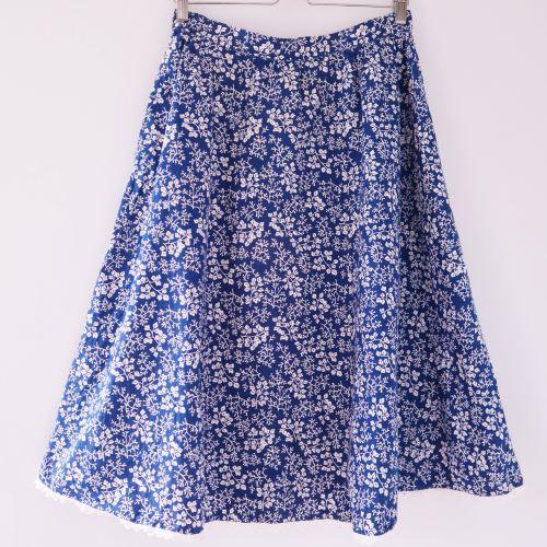 Fusta vintage albastra floricele albe panza bumbac