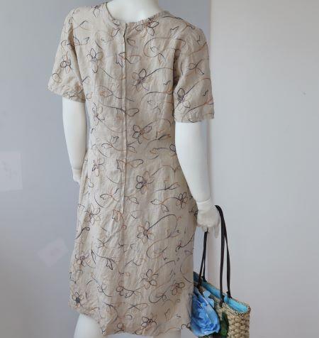 Rochie vintage din in crem cu broderie flori