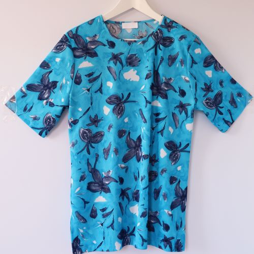 Bluza albastra flori bleumarin second hand