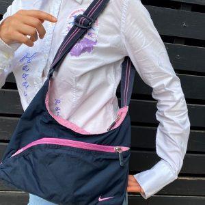 Geanta Nike bleumarin roz curea reglabila second hand